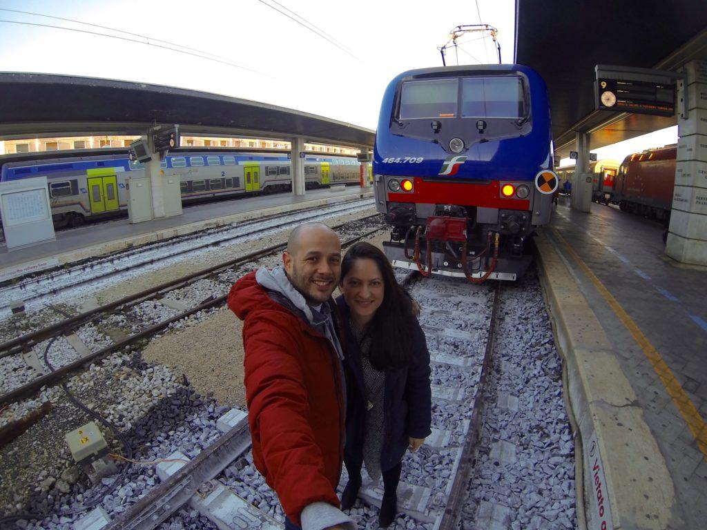 Con Maria Kofou en la estación de tren de Venecia