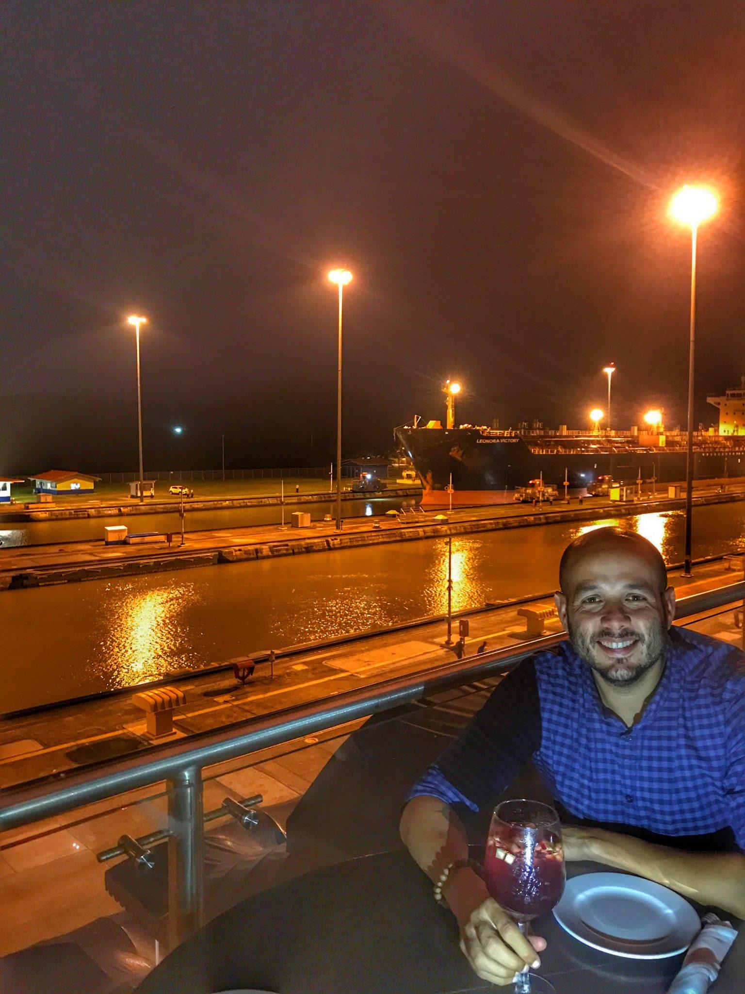 Cenando en el Canal de Panamá